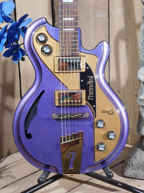 At Top 40 Guitars our customer's satisfaction is our first concern.All our items we sell have a 14 day return policy.If after 14 days you are not happy with the item, please return it for a refund.*all returned items must include original packing.Peace be with you...#3941Up For Sale is aItalia Mo...