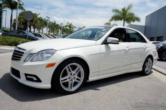 2011 MERCEDES BENZ E 350 WHITE 4 MATIC…STUNNER ..ON SALE!! (MARKHAM AND LAWRENCE AVE) $31900
