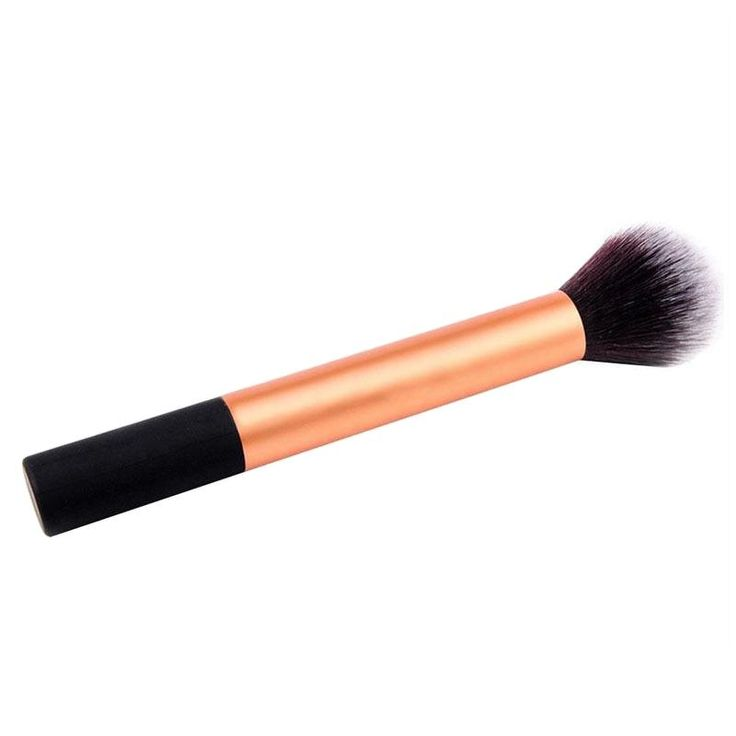 The most practical and used makeup brush! This is a necessity in the handbag of every woman who is concerned about the appearance of her make-up throughout the day!