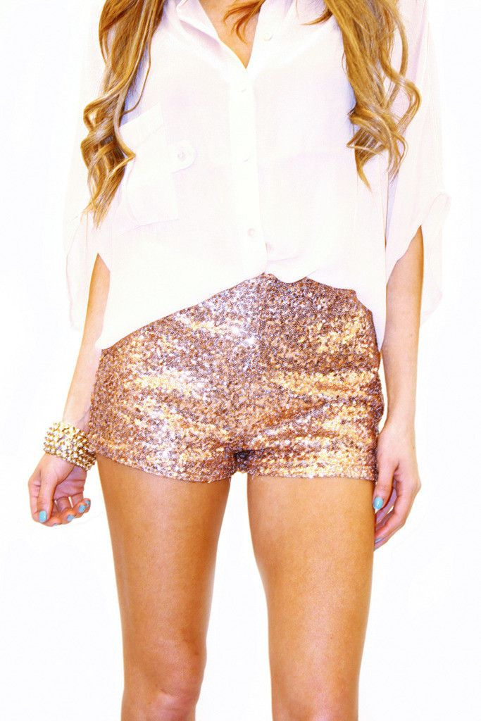 You're in luxe, with sequins and chic metallics at softhome24.ml! Find the hottest sequin and metallic dresses, heels, separates and more. Free Shipping over $50!