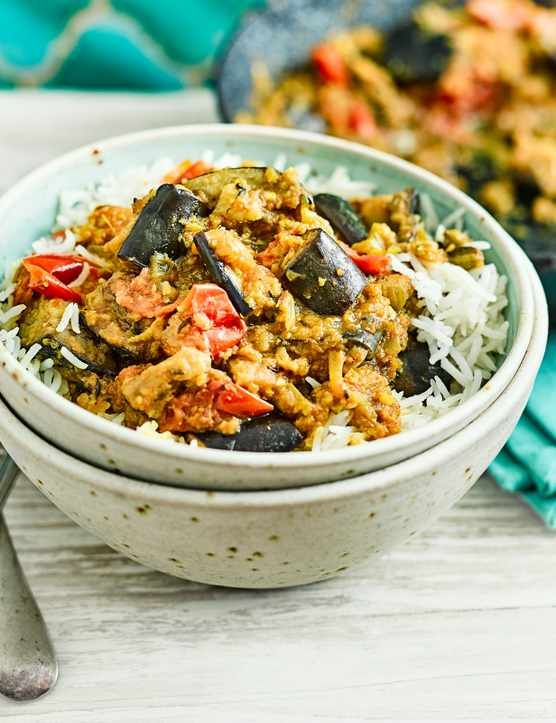Not to be confused with the ever-so-popular deep fried onion bhaji, this recipe is vegan, gluten-free and low in calories. Made with aubergines and packed full of spices, this dish is the perfect go-to dinner for Meat Free Monday