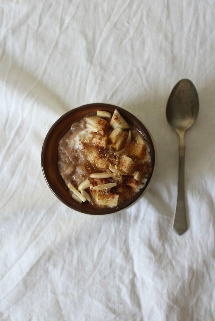 Tost z dżemem - pomysły na śniadanie: Płatki ryżowe z jabłkiem i cynamonem