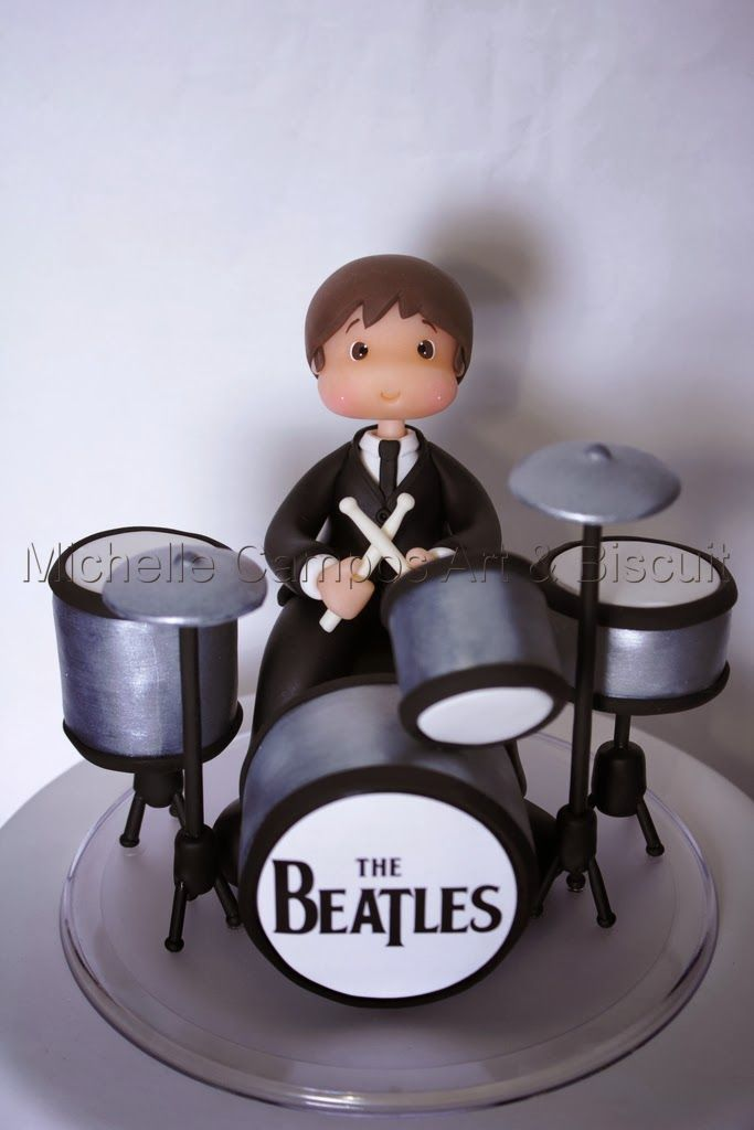 Michelle Campos Art & Biscuit: The Beatles e Michael do Matias!!