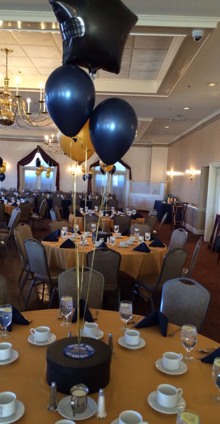 DIY Hockey Banquet Centerpiece  Party And Holiday Decorating Ideas  Hockey centerpieces