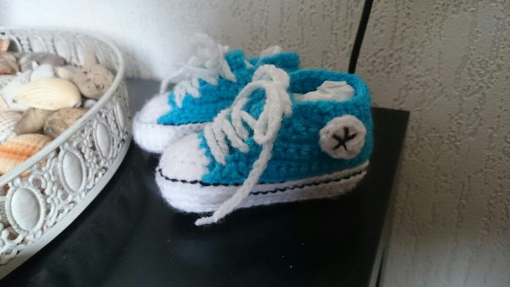 Baby (converse) crochet sneakers
