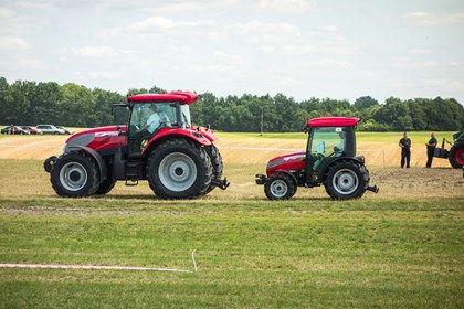 Targi AGRO-TECH Minikowo 2013: najlepsze maszyny rolnicze i traktory - Snaphub.pl
