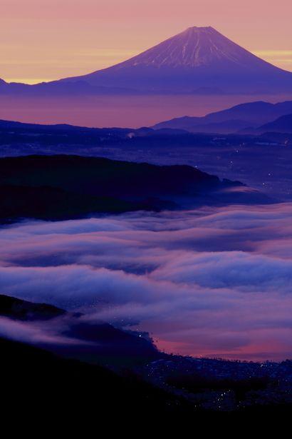 雲海の色合いが美しい 諏訪湖の景色の画像
