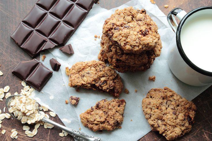 Galletas de chocolate veganas ¡Fáciles y sabrosas! - Unareceta.com  #GalletasDeChocolateVeganas #Galletas #Veggie #PostresFáciles #PostresCaseros #PostresVeganos