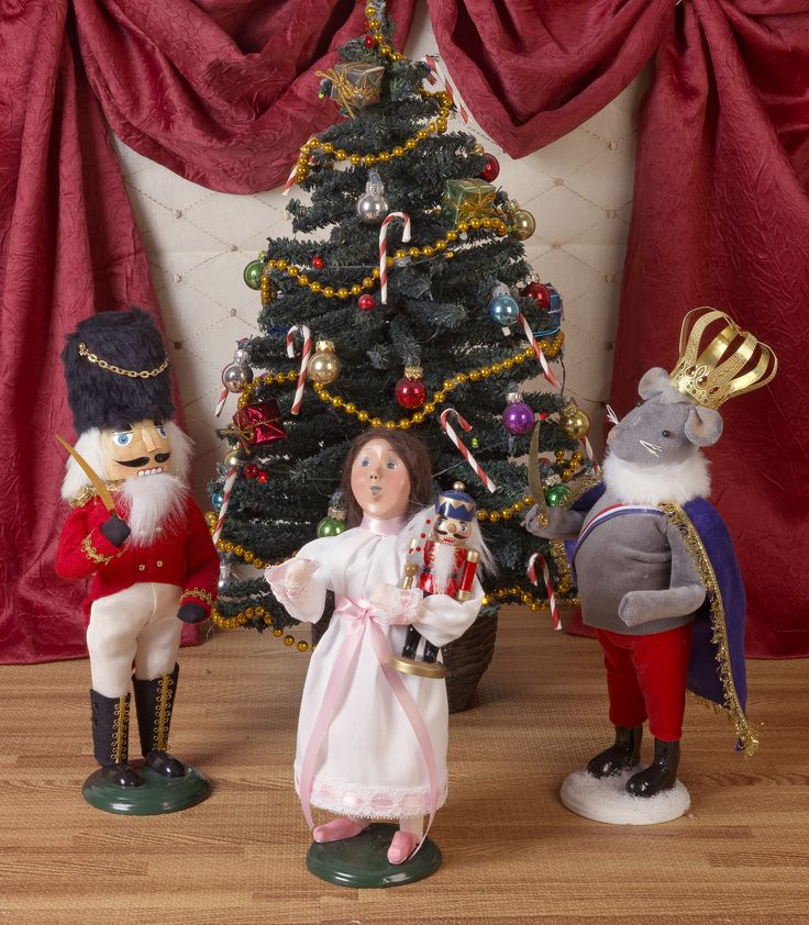 62 Best Decorating With Byers Choice Carolers Images On: 53 Best 2017 Byers' Choice Carolers® Figurines
