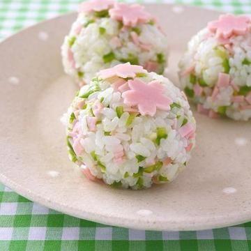 お花見気分で桜おむすび♪ & ご飯のお供に!生姜ピーマン