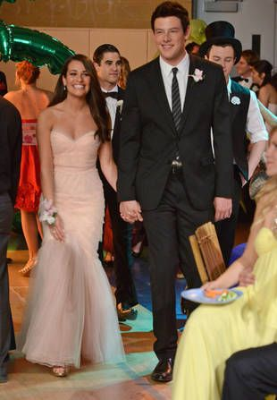 Rachel Berry's Prom Dress is gorgeous!  Lea Michelle looks so beautiful here.