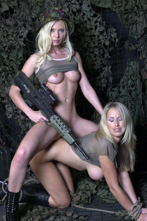 sext naked women with guns