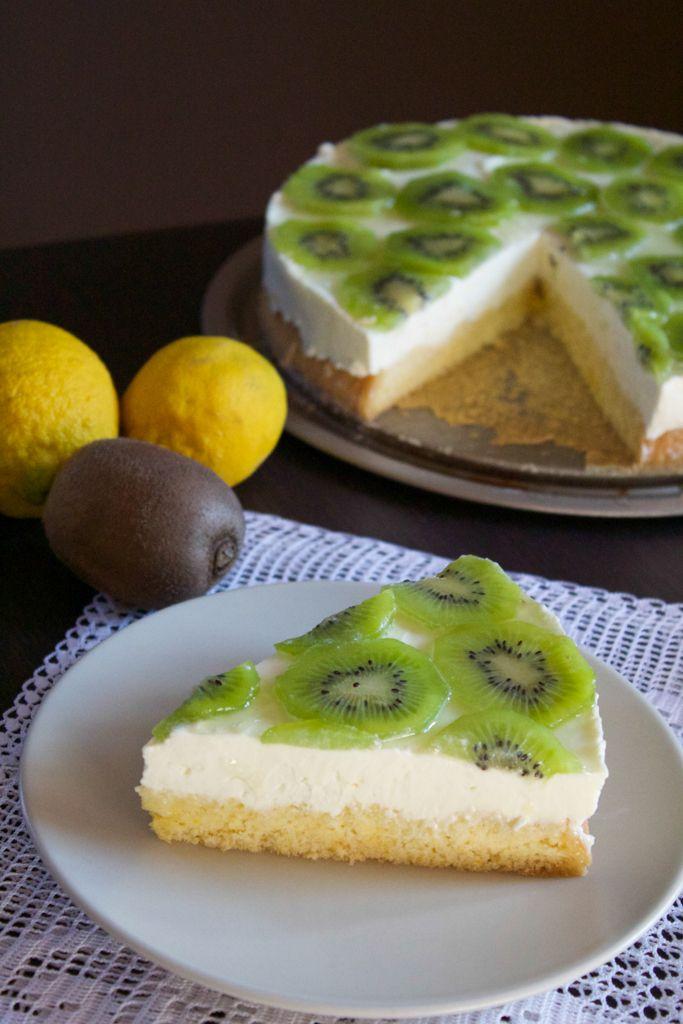 Torta mousse al cioccolato bianco, limone e kiwi