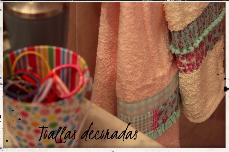 Toallas con detalles de calidez y color para tu baño!