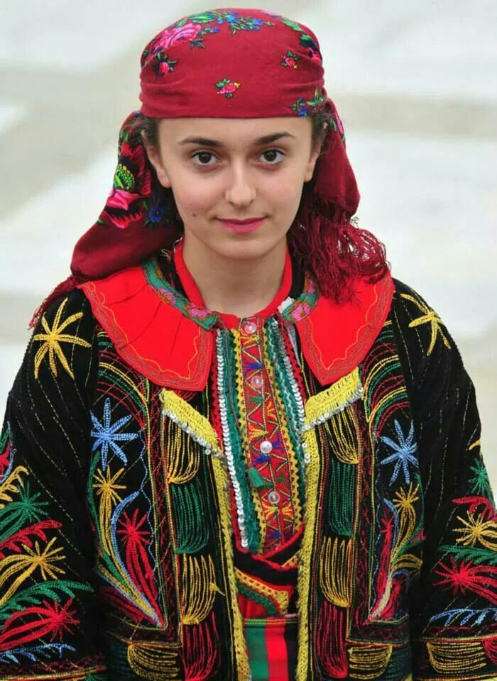 17 Best images about Bulgarian national costume on ...
