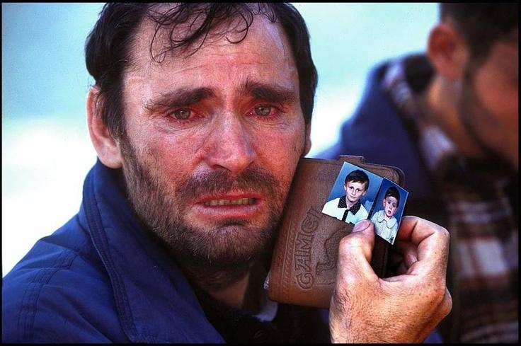 brought tears in my eyes   The Human Condition  Kosovar-Albanian refugee. Kosovo-Albanian border, Kukes, Albania, 1999 © Peter Turnley