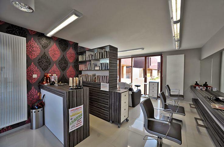 25 beste idee n over kapsalons op pinterest salondecor for Kappers interieur