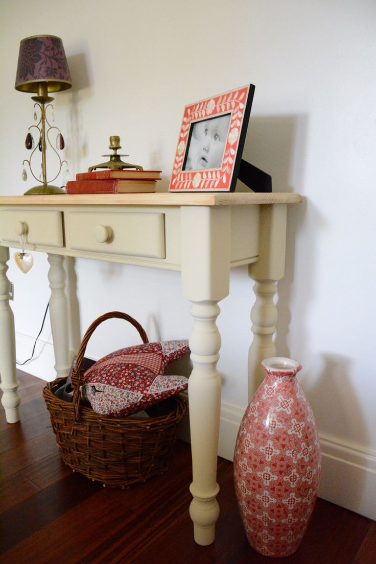 Console table hand painted with Autentico Paris White  www.inheritedgracedecor.co.uk