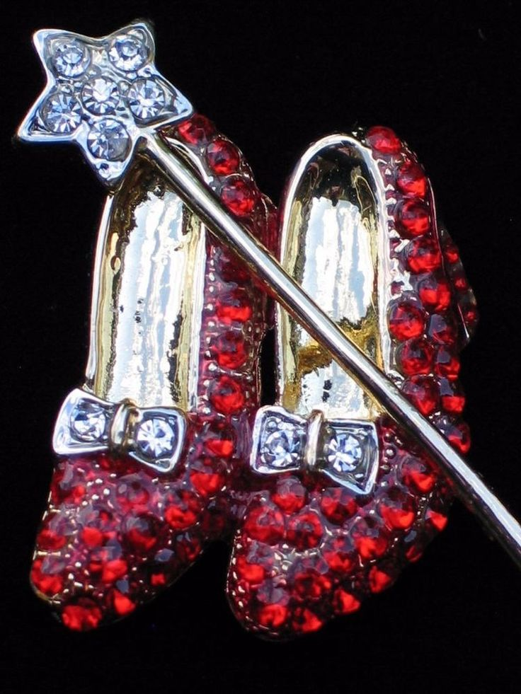 """WIZARD OF OZ DOROTHY WAND RUBY RED SHOES SHOE SLIPPERS SLIPPER BROOCH PIN 2"""" #Unbranded"""