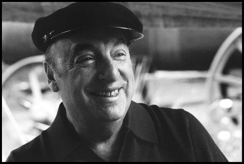 Pablo Neruda fotografiado por Luis Poirot.