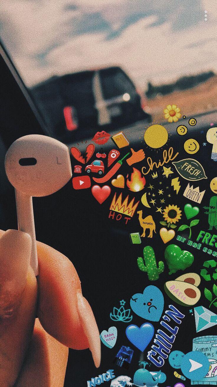 Earbud art/Snapchat. VSCO: maggieeandersonnnn
