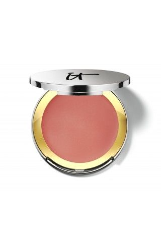 This game-changing blush is formulated with anti-aging peptides, collagen, silk, antioxidants and Drops of Light Technology™ to instantly diffuse the look of imperfections and give your skin a youthful, lit-from-within glow.