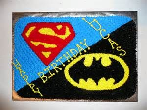 Split Batman/Superman cake