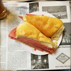 Sándwich de mortadela #MercadoMunicipal #SãoPaulo
