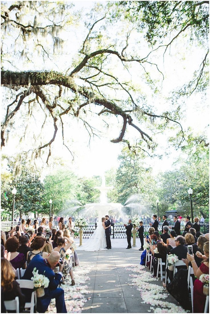 The Mansion On Forsyth Park Wedding Savannah Wedding Photographer Forsyth Park Wedding Savannah Chat Savannah Wedding