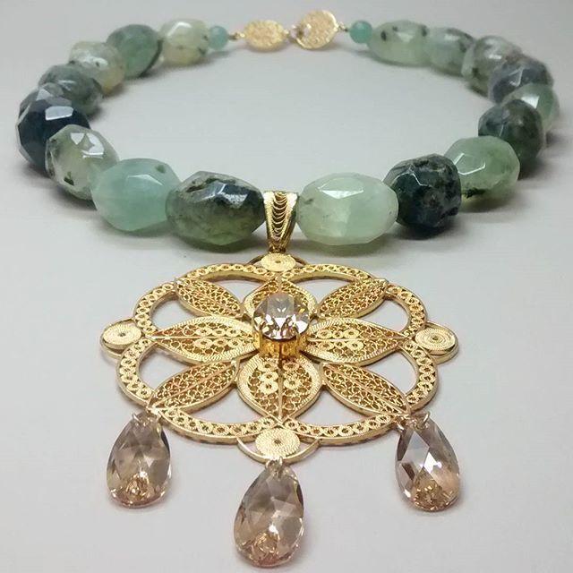 #new #necklace #filigree #crystalswarovski #semipreciousstone  #plataley960 #bañooro24k #zachjoyas  @tiendavesttigio  @zach_joyas