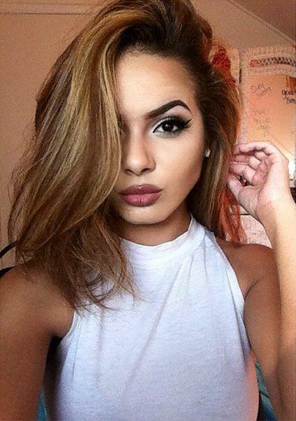 Eyebrows, lipstick, eyeliner — this #KylieJennerLips selfie is completely on fleek.