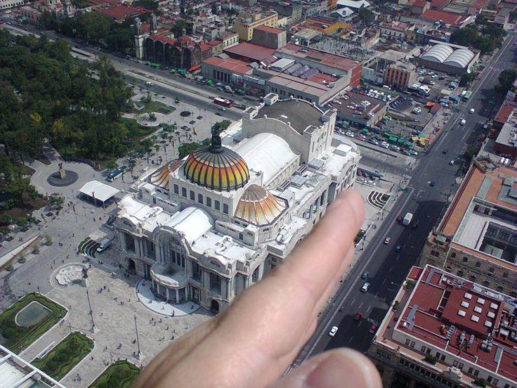 """""""Imaginando que puedo tocar el Palacio de Bellas Artes como si fuese una maqueta, desde el mirador de la Torre Latinoamericana"""", foto 22"""