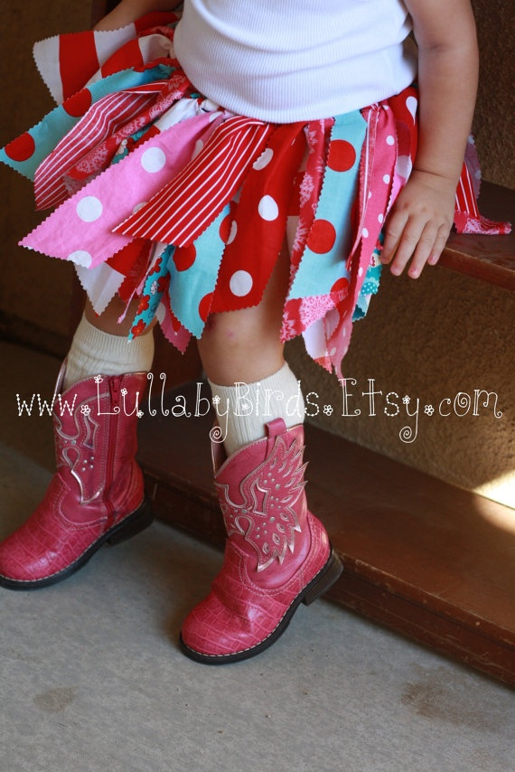I love these fabric tutus!!!! I'll be attempting this very soon!!