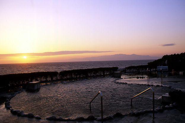 伊豆大島公共の温泉露天風呂 浜の湯
