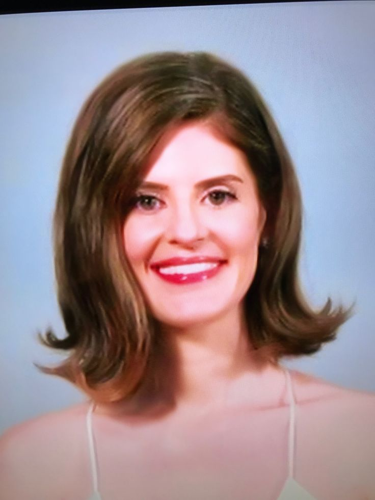 """BEAUTIFUL modern flip on Kirsten Collins, the Bride on the TLC TV show """"Say Yes Wedding SOS.""""  Pic was taken from the TV while the show aired Friday, March 2, 2018. 8:00 PM, CST.  Kirsten looks STUNNING in her new look ♥️♥️♥️"""
