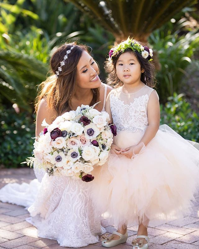 What's cuter than a Flower Girl! She wore a flower crown that