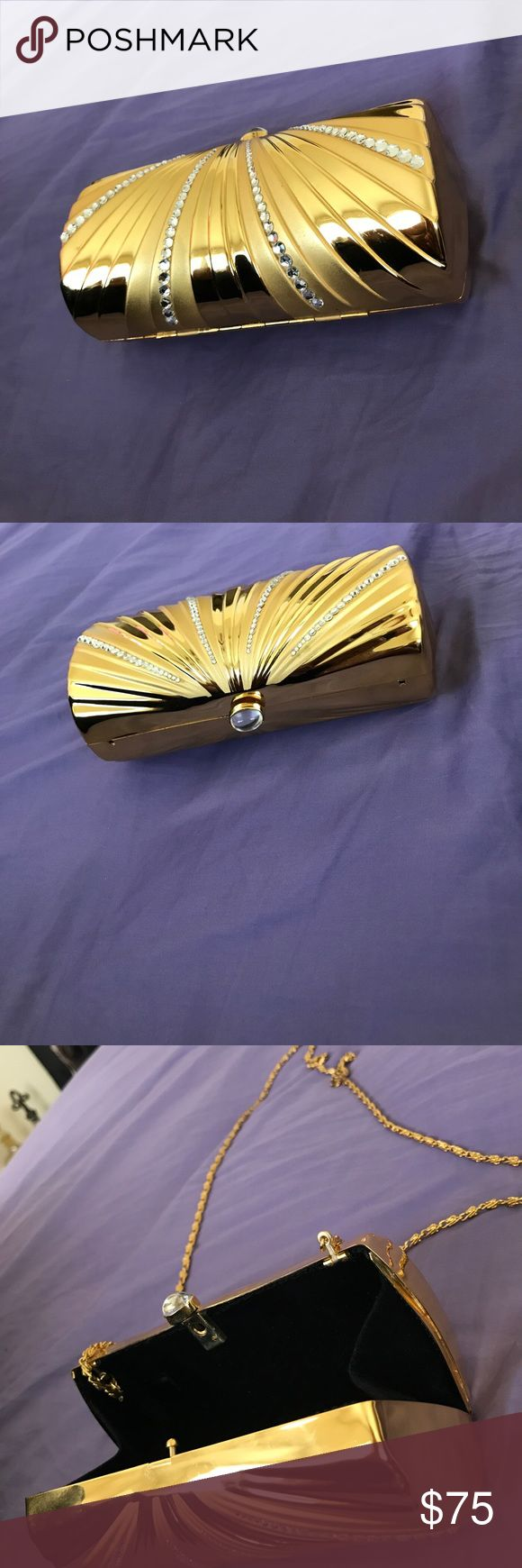 Gold clutch, just beautiful Clutch, gold, sequence on front, solid back Bags Clutches & Wristlets