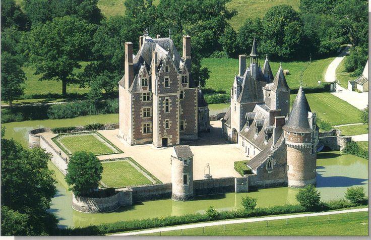 Château du Moulin ~ Loire-et-Cher ~ France                                                                                                                                                                                 Plus