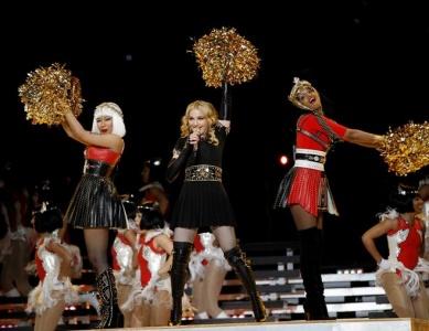 Nicki Minaj and M.I.A. L-U-V Madonna!
