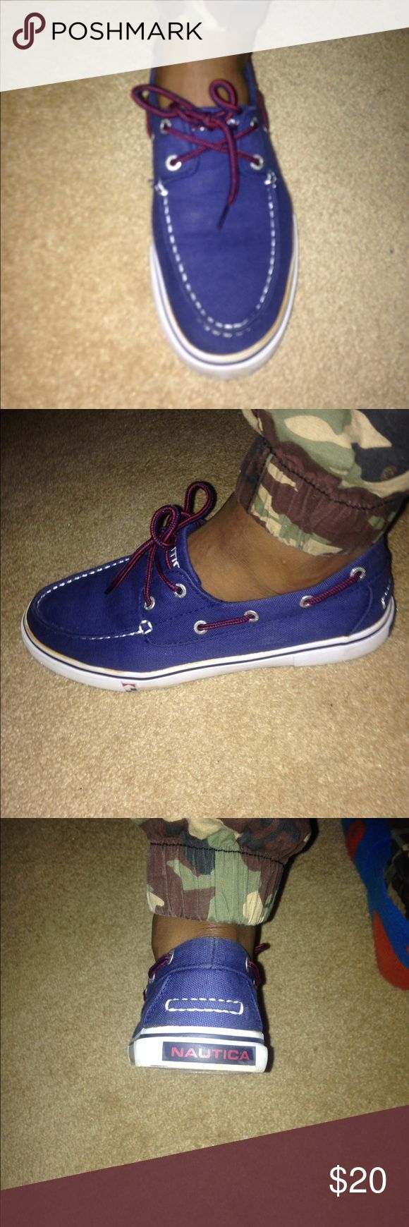 Boys boat shoes Boys, navy blue, size 7 1/2 shoes. Worn maybe 3 times. No wear or tear. Still in great condition Nautica Shoes