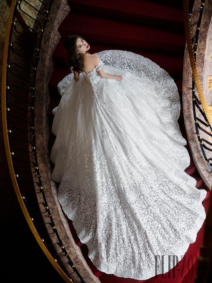 Toumajean Couture Frühjahr/Sommer 2016 - Hochzeit - http://de.flip-zone.com/Hanna-Toumajean-6077