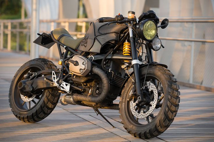 Serving as the successor to Bimmer's R1100S, the BMW R1200S was a rugged sport-tourer that packed a mean punch. Equipped with a 120-horsepower powerplant,
