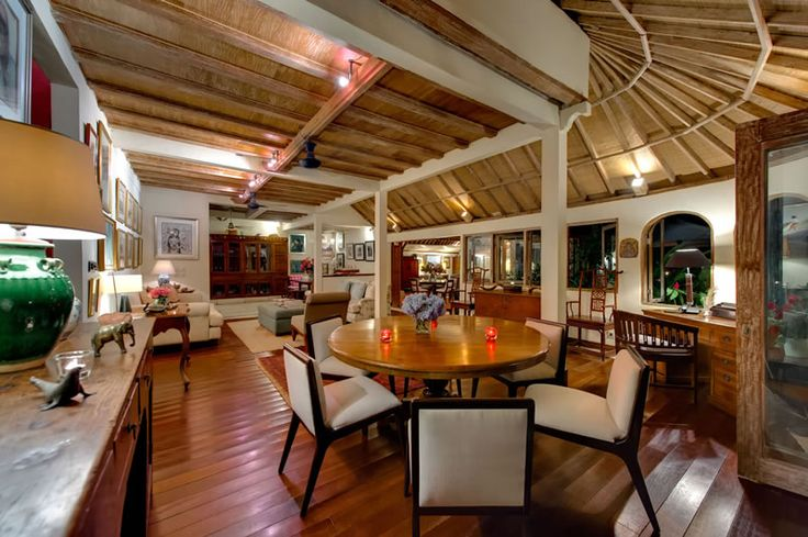 Page 2 « Photo gallery | The Orchard House – Seminyak 4 bedroom luxury villa, Bali - Orchard House - dining and living room at night