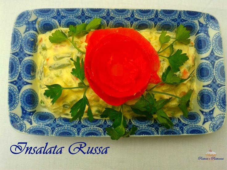 L' Insalata Russa è molto versatile perché può rappresentare un centrotavola gastronomico bello e sfizioso oppure essere utilizzata per farcire vol-au-vent, canapè e tramezzini .