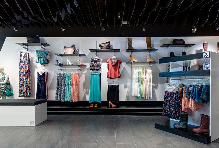 «Штормовой» дизайн магазина одежды Quique в Коста-Рике