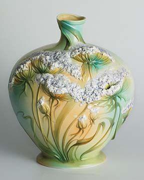 Queen Anne's Lace Flower Design Sculptured Porcelain Vase