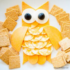 Cute and easy play on cheese and crackers!! @Jessica Gibbons