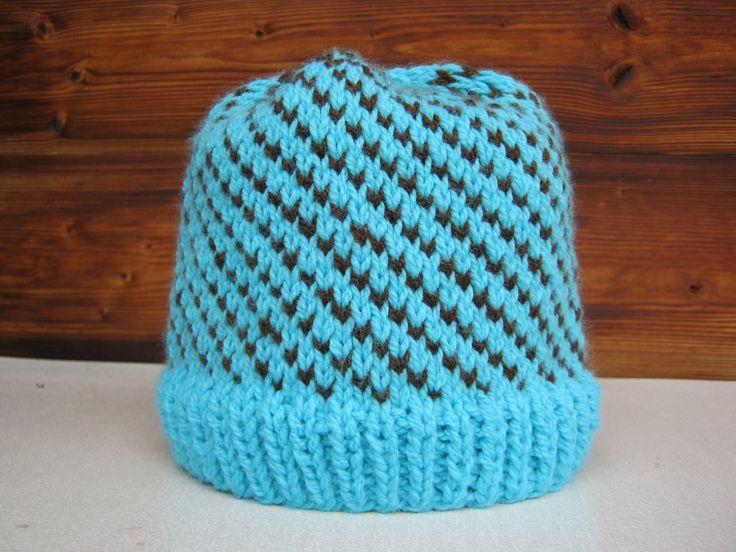 Pletená zimní spirálková čepice