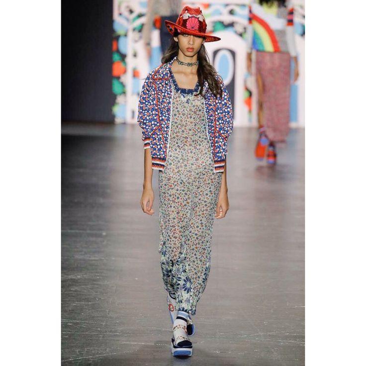 Anna Sui  #VogueRussia #readytowear #rtw #springsummer2017 #AnnaSui #VogueCollections