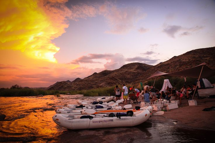 Orange River Gorge - Desert rafting at its best. 4 days and 5 nights of true wilderness experience. All ages and skill levels - no you don't have to be and expert!